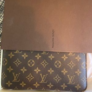 Like New Neverfull MM pouch
